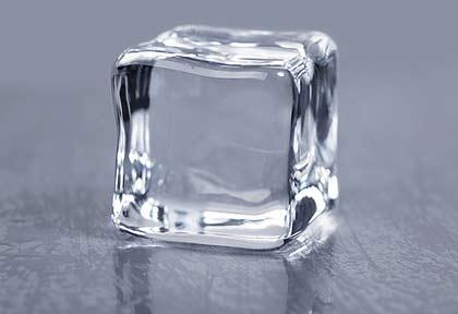 Krystallklare isbiter