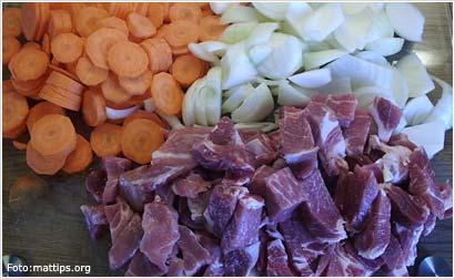 Kuttede grønnsaker og kjøtt